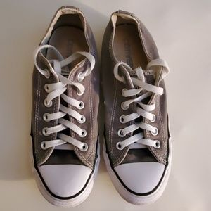 Grey converse .. Mens sz 5...womens sz 7
